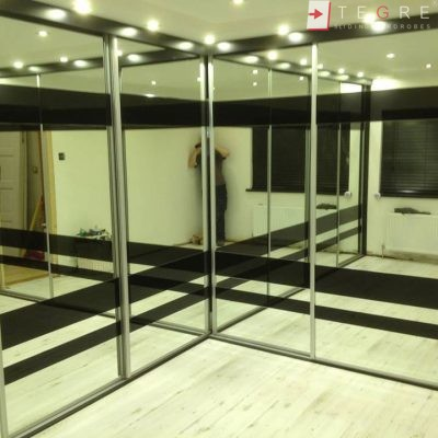 High Gloss & Color Glass Sliding Doors 36