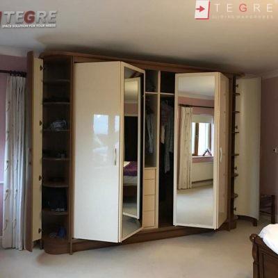Attick & Understairs Built In Wardrobes 22