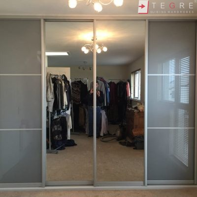 Bedroom & Livingroom Built In Wardrobes & Doors 12
