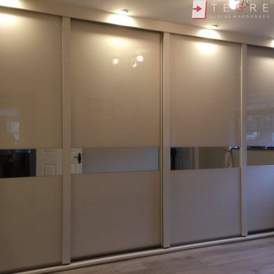 Cream Glass Amp Mirror Door With High Gloss Handles Gallery
