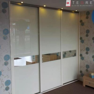 Cream Glass & Mirror Door With High Gloss Handles 02