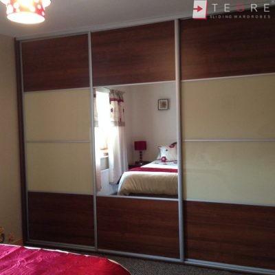 Cream Glass Sliding Wardrobes & Doors 15