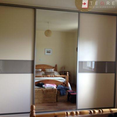 Cream Glass Sliding Wardrobes & Doors 16