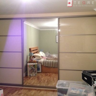 Cream Glass Sliding Wardrobes & Doors 19