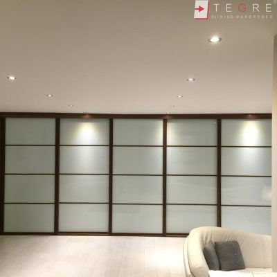 Cream Panel Wardrobe Door In Wood Gandle 04