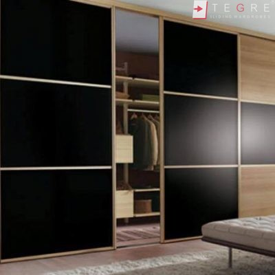 Fitted & Built In Sliding Wardrobes 07