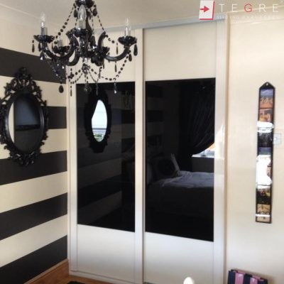 Sliding Black Glass Built In Wardrobes 02