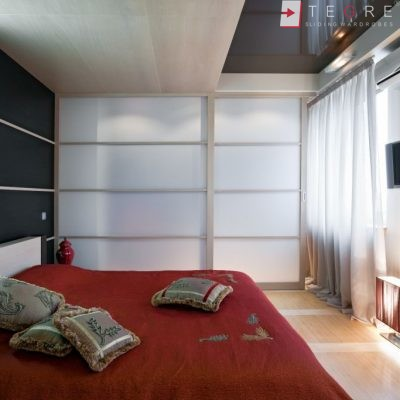 White Panel & White Glass Sliding & Built In Wardrobe 04